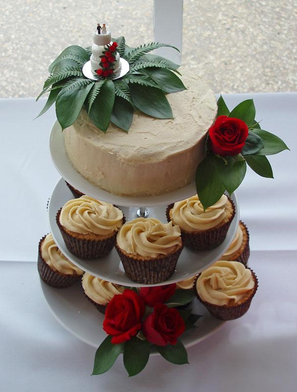 Mini wedding cake topper