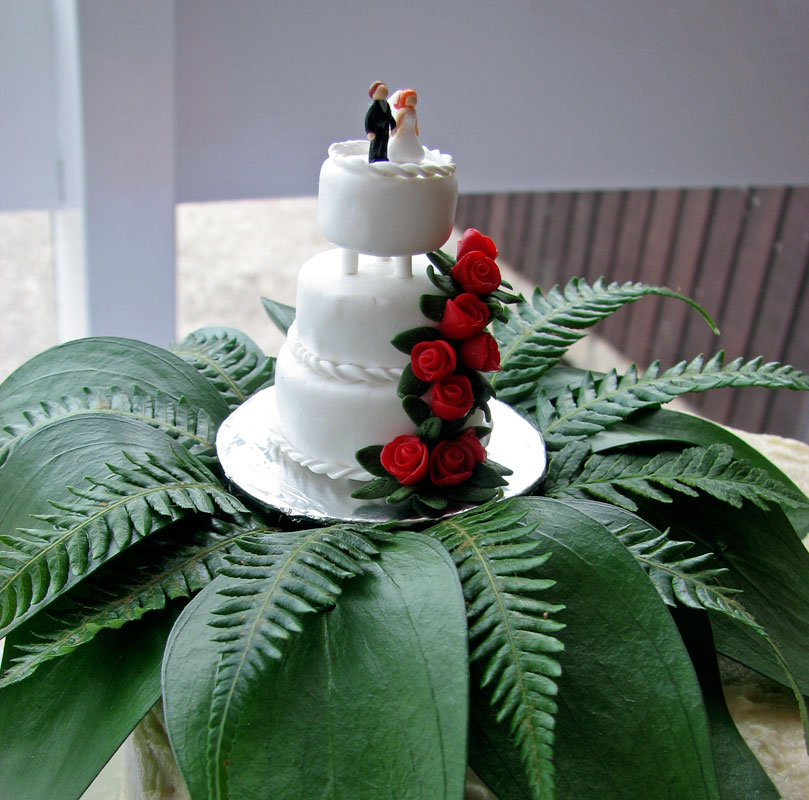 Mini wedding cake topper detail