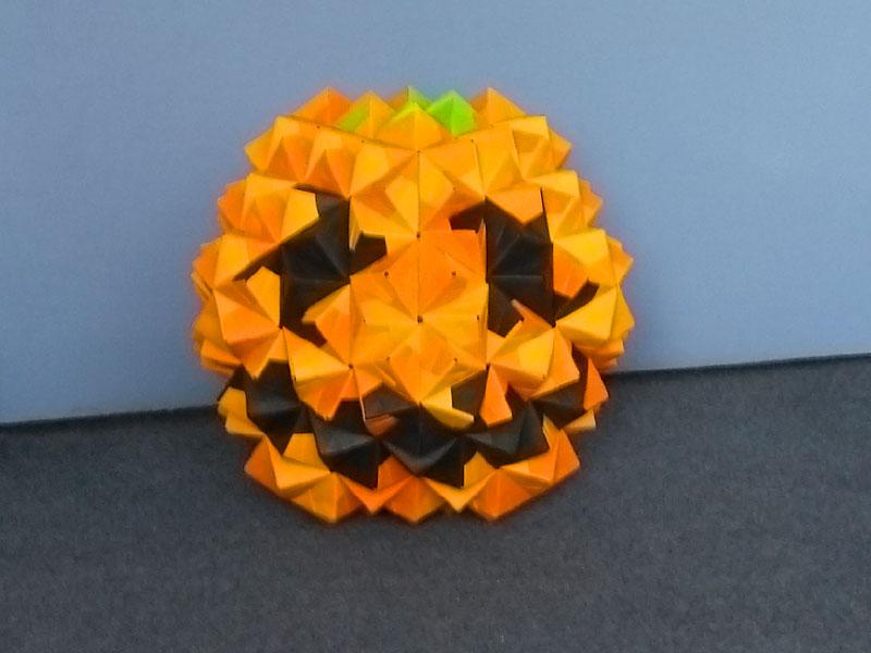Origami halloween pumpkin