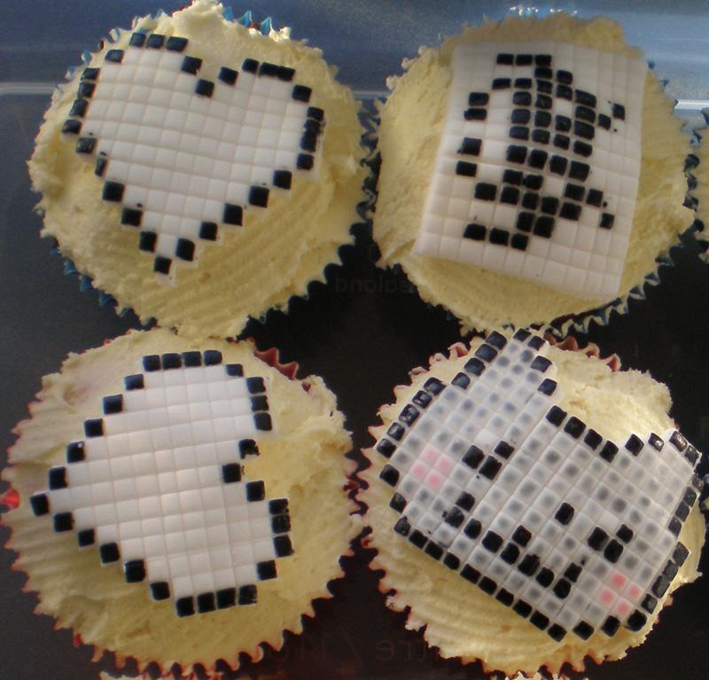 Pixel cupcakes